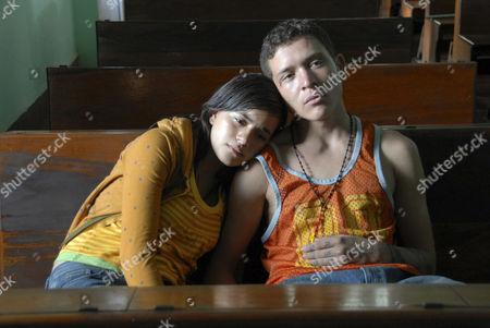SIN NOMBRE (2009) PAULINA GAITAN, EDGAR FLORES   Cary Fukunaga (DIR) 004 MOVIESTORE COLLECTION LTS