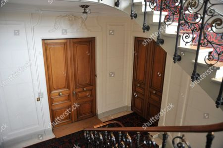 Stock Picture of 5th floor inside the apartment building where Thomas Fabius bought a flat