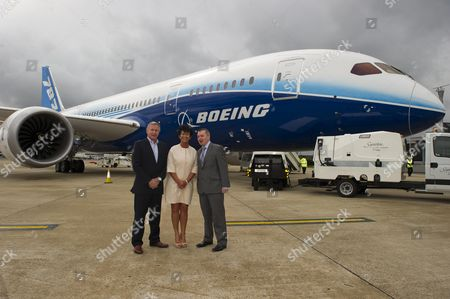 Editorial picture of Boeing Introduces Its New Aeroplane The Dreamliner Or 787 To Its British Customers Today 23rd April 2012 At Heathrow Airport. British Airways Virgin And Thompson Holidays Have All Ordered The Aircraft. Steve Ridgway Chief Exec Of Virgin Atlantic Chri