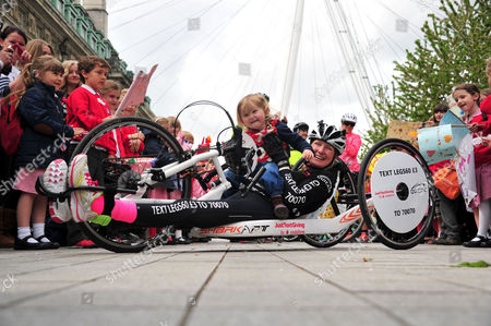 Claire Lomas and daughter Maisie