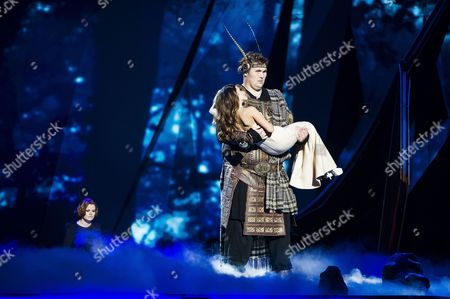 Igor Vovkovinskiy and Zlata Ognevich of Ukraine during the first dress rehearsal of the First Semi-final