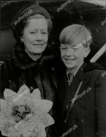 Andrew Ray Actor With Actress Irene Dunne Andrew Ray (31 May 1939 Oo 20 August 2003) Was An English Actor Who Was Best Known As A Child Star. He Was Born Andrew Olden (ray Was His Father's Stage Name) In North London The Son Of The Famous Radio Comic Ted Ray And His Wife Showgirl Dorothy Sibil.