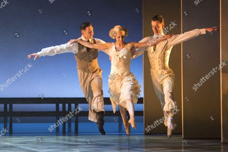 L-R: Giuliano Contadini as Nick Carraway, Martha Leebolt as Daisy Buchanan and Tobias Batley as Jay Gatsby