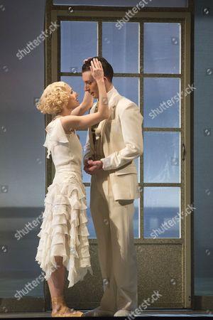Tobias Batley as Jay Gatsby and Martha Leebolt as Daisy Buchanan