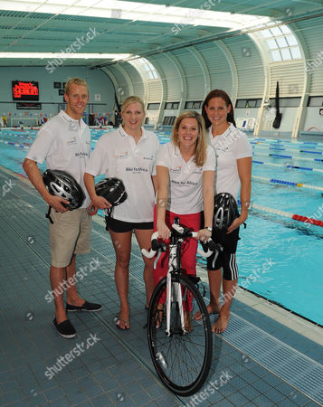 Stock Image of (l-r) Ross Davenport Rebecca Adlington Laura Williamson (daily Mail Sports Writer) And Joanne Jackson. Olympic Swimmers Feature Loughborough.