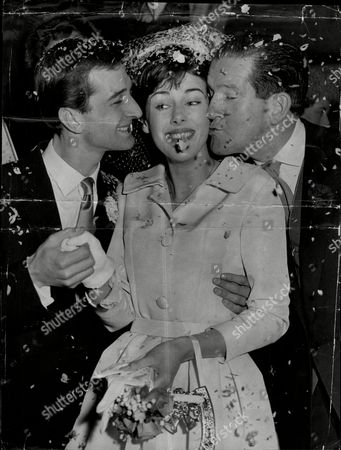 Wedding Of Actor Robin Ray And Wife Television Presenter Susan Stranks Seen With His Father Comedian Ted Ray Robin Ray (17 September 1934 Oo 29 November 1998) Was An English Broadcaster Actor And Musician The Son Of Comedian Ted Ray Married To Children's Tv Presenter Susan Stranks From 1960 Robin Ray Died From Lung Cancer At The Age Of 64 In 1998. The Couple Had A Son Rupert. Robin's Brother Andrew Ray Was An Actor Who Died In 2003 Also At The Age Of 64. Their Original Family Name Was Olden.