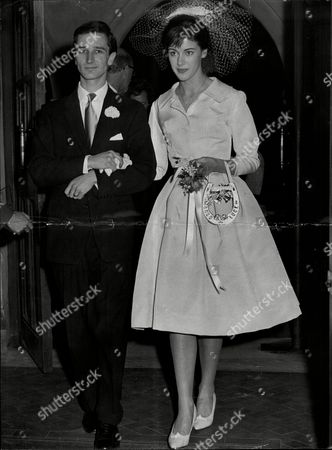Wedding Of Actor Robin Ray And Wife Television Presenter Susan Stranks Robin Ray (17 September 1934 Oo 29 November 1998) Was An English Broadcaster Actor And Musician The Son Of Comedian Ted Ray Married To Children's Tv Presenter Susan Stranks From 1960 Robin Ray Died From Lung Cancer At The Age Of 64 In 1998. The Couple Had A Son Rupert. Robin's Brother Andrew Ray Was An Actor Who Died In 2003 Also At The Age Of 64. Their Original Family Name Was Olden.