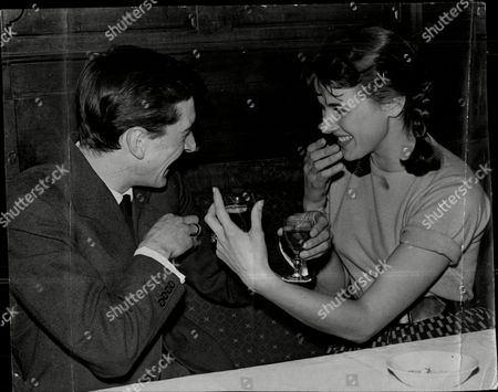 Engagement Of Actor Robin Ray And Television Presenter Susan Stranks Robin Ray (17 September 1934 Oo 29 November 1998) Was An English Broadcaster Actor And Musician The Son Of Comedian Ted Ray Married To Children's Tv Presenter Susan Stranks From 1960 Robin Ray Died From Lung Cancer At The Age Of 64 In 1998. The Couple Had A Son Rupert. Robin's Brother Andrew Ray Was An Actor Who Died In 2003 Also At The Age Of 64. Their Original Family Name Was Olden.