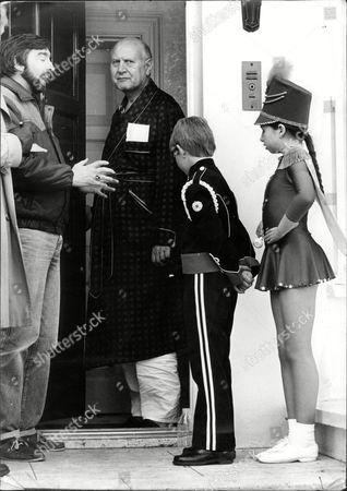 Leslie Ratner Chairman Of Ratners The Jewellers See On His Doorstep With Mark Warren (12) And Paula Leeming (11).
