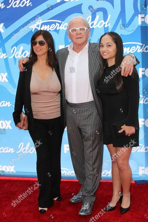 Sir Anthony Hopkins, wife Stella Arroyave and niece