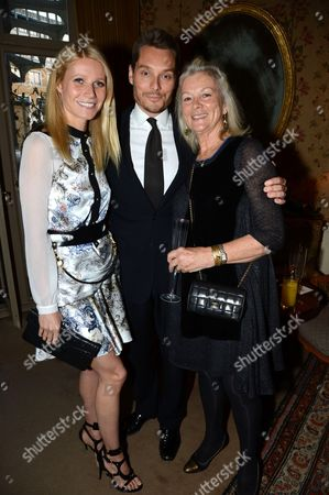 Gwyneth Paltrow with Seb Bishop and Guest