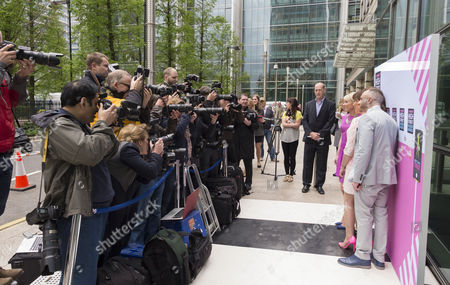 Ali Hall, Kelly Brook, Lorraine Kelly and Mark Heyes, photographers and Peter Gray