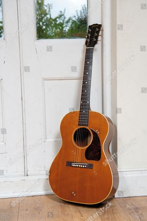 London United Kingdom - October 2: A Vintage Gibson Acoustic Guitar Used By English Singer-songwriter Ralph Mctell - October 2