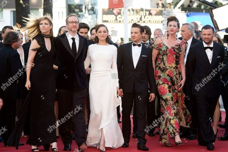 James Gray and his wife Alexandra Dickson Gray, Marion Cotillard and Jeremy Renner