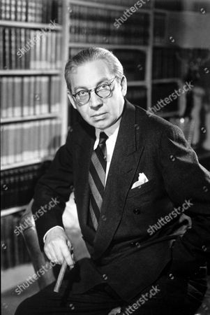 SIR ALEXANDER KORDA DIRECTOR AND PRODUCER OF ' LONDON FILM PRODUCTIONS'
