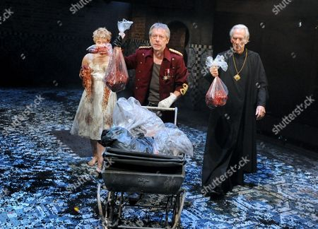 Rose Reynolds as Lavinia, Stephen Boxer as Titus, Richard Durden as Marcus