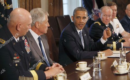 General Ray Odierno, Secretary of Defense Chuck Hagel, President Barack Obama and Chairman General Martin Dempsey, Vice Chief of Naval Operations Admiral Mark Ferguson