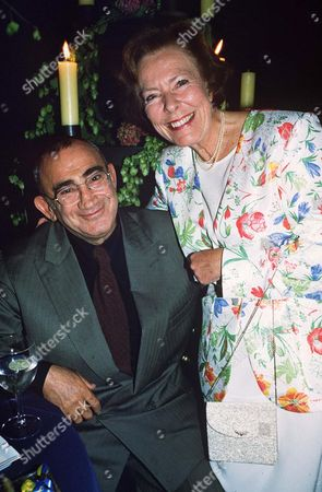 LIONEL BART WITH WIFE ?