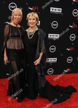Dinah Englund, Cloris Leachman