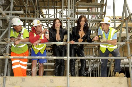 Rosie Jones and Kacey Barnfield deliver tea to workmen around London