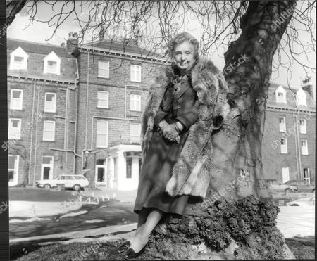 Actress Joan Hickson Pictured At The Old Swan Hotel Hotel Harrogate.