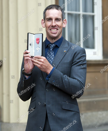Olympic Slalom-Canoeist Etienne Stott is awarded an MBE