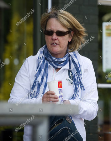 **gail Putman Has Spoken To Andrew Levy On The Understanding Photos Of Her Aren't Used** Picture Shows Gail Putman (she Now Uses A Different Name) Leaving Mcdonalds Borehamwood Herts Today. Gail Is Former Girlfriend Of Lotto Winner Edward Putman Who Appeared At Court Accused Of Fraudulently Claiming Ii15 000 In Benefits.