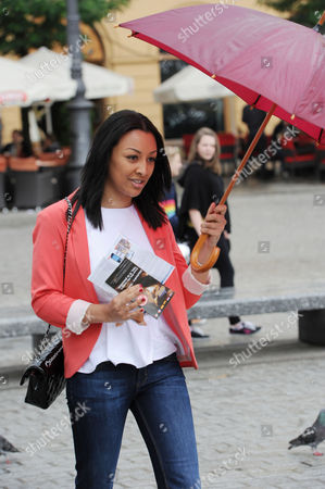 Euro 2012 ? Kaya Hall Girlfriend Of Phil Jones After A Carriage Ride In The Centre Of Krakow Poland - Football - European Championship.