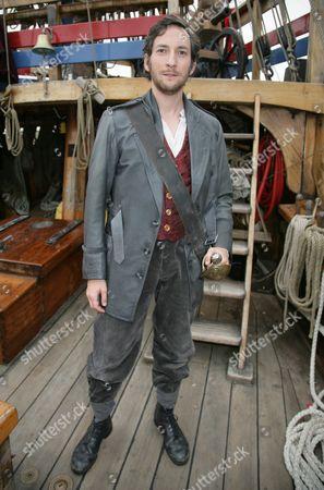 Nicholas Sharratt (Frederic)