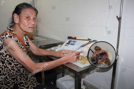 Ye with Niu Niu at the hospital