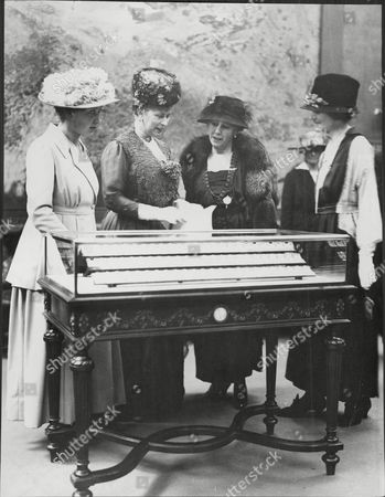 Lady Northcliffe (lady Hudson) 2nd Right And Queen Mary (2nd Left) And Widow Of Sir Robert Hudson No Date Given.
