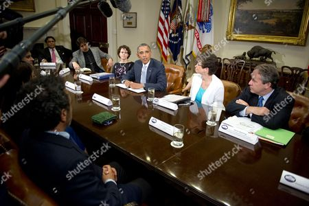 Steve Case, Chairman and CEO, Revolution, Co-Founder, America Online, Chairman, The Case Foundation, Cecilia Munoz, Director of the Domestic Policy Council; Barack Obama ; Valerie Jarrett, Special Advisor to the President; and Gene B Sperling, Director of the National Economic Council