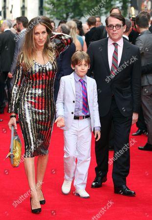 Sarah Jessica Parker, James Broderick and Matthew Broderick