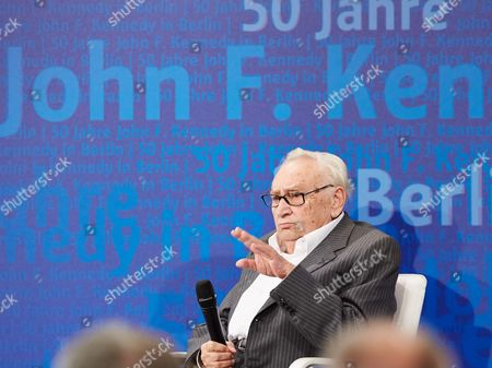 Prof. Egon Bahr, honorary citizen of Berlin and former Speaker of the Governing Mayor Willy Brandt