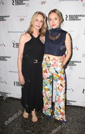 Lisa Emery, Sarah Goldberg