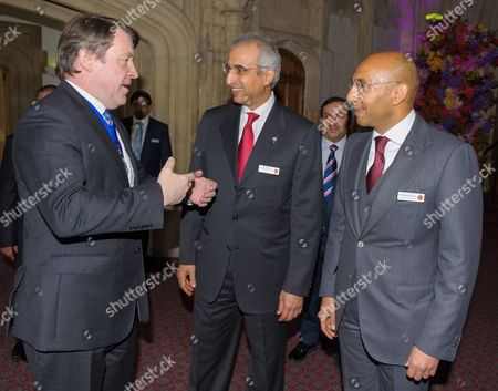 The Lord Mayor Roger Gifford with Bader Mohammed Al Sa'ad, the Managing Director of the KIA, and Osama Al-Ayoub the President and Chief Executive of the KIO.