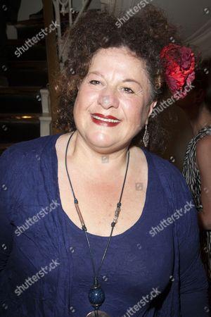 Sue Kelvin (Louise)