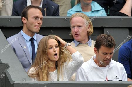 Ross Hutchins (behind), Kim Sears and Jez Green