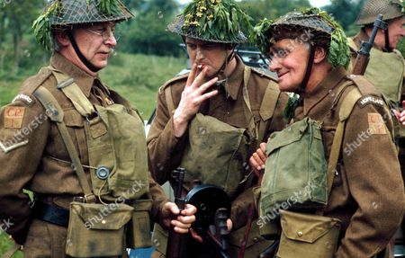 IAN LAVENDER , CLIVE DUNN AND JOHN LAURIE OF DADS ARMY -