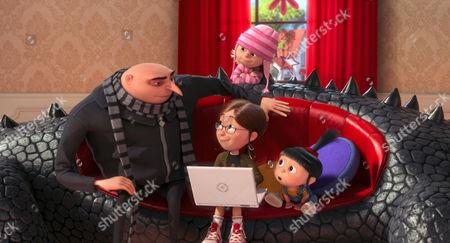 Despicable Me 2, From Left: Gru (Voice: Steve Carell), Margo (Voice: Miranda Cosgrove), Edith (Back, Dana Gaier), Agnes (Voice: Elsie Fisher), 2013