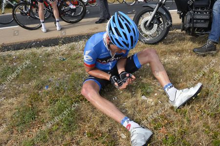 Christian Vandevelde (USA) after a crash on Stage 5 Cagnes-Sur-Mer - Marseille