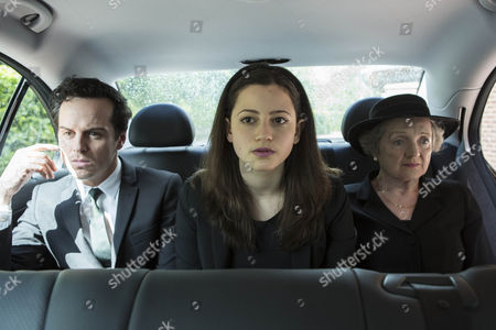 Stock Photo of Andrew Scott as Mark, Avigail Tlalim as Jodie and Julia McKenzie as Betty.