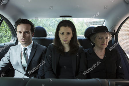Stock Picture of Andrew Scott as Mark, Avigail Tlalim as Jodie and Julia McKenzie as Betty.