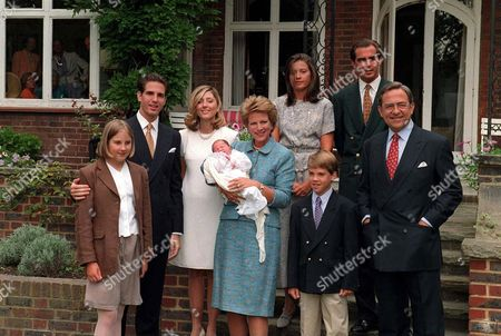 L-R, PRINCESS THEODORA, PRINCE PAVLOS, MARIE CHANTAL, PRINCESS MARIA OLYMPIA, QUEEN ANNE MARIE, PRINCESS ALEXIA, PRINCE PHILIPPOS, PRINCE NIKOLAOS AND KING CONSTANTINE