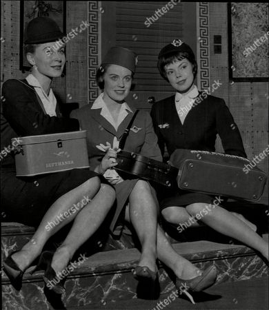 Julia Arnall Is An Austrian Actress (left) Elisabeth Murray (centre) And Andree Murray (right) In Play 'boeing Boeing' At Leeds Grand Theatre.