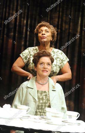 Dona Croll as Olivia, Diana Quick as Eva