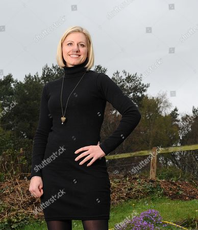 Rebecca Lowe Espn Football Television Presenter At Home In Wiltshire. Interview By Laura Williamson.
