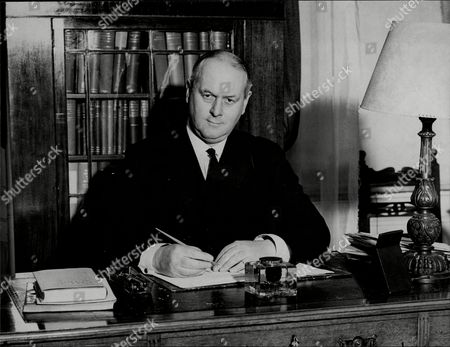 Sir Thomas Inskip 1st Viscount Caldecote Lord Caldecote Thomas Walker Hobart Inskip 1st Viscount Caldecote Cbe Pc Kc (5 March 1876 Oo 11 October 1947) Was A British Politician Who Served In Many Legal Posts Culminating In Serving As Lord Chancellor From 1939 Until 1940. Despite Legal Posts Dominating His Career For All But Four Years He Is Most Prominently Remembered For Serving As Minister For Coordination Of Defence From 1936 Until 1939.