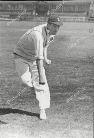 Albert 'dusty' Rhodes Cricketer Derbyshire Ccc.