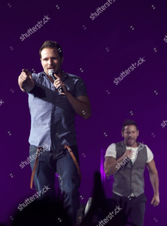 98 Degrees - Drew Lachey and Jeff Timmons